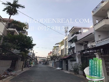 images/thumbnail/beautiful-villa-for-rent-in-thao-dien-district-2-4-bedroom-clean-new-and-modern_tbn_1487430602.jpg