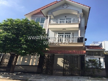 Classic 4 bedrooms villa for rent in District 2