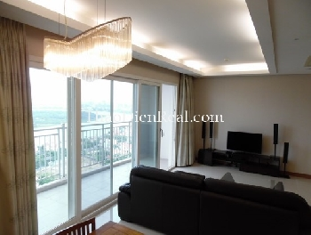 High floor 3 bedrooms apartment in Xii Riverview for rent.