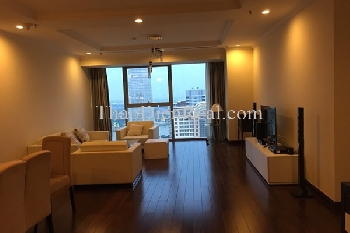 Incredible 3 bedrooms apartment in Vincom Tower for rent.