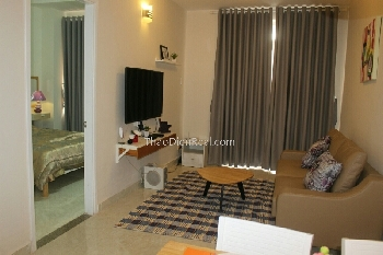 Lovely furnitures 2 bedrooms apartment in 90 Nguyen Huu Canh for rent.