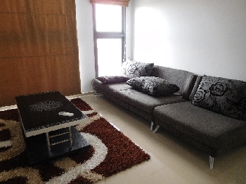 Nice 2 bedrooms apartment in Pearl Plaza