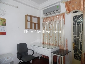 One bedrooms serviced apartment in Le Thanh Ton street, Japanese town.