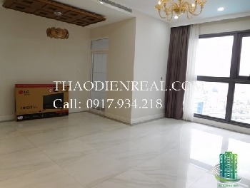 Queen antique style 2-bedroom Pearl Plaza apartment pool view