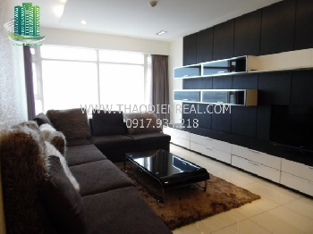 Spacious 3 bedrooms apartment in Saigon Pearl for rent