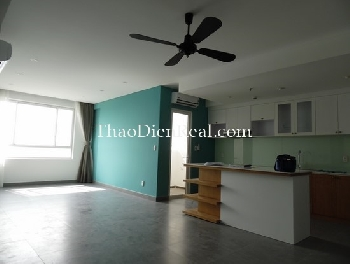 Unfurnished or fully furnished 3 bedrooms apartment in TRopic Garden for rent.