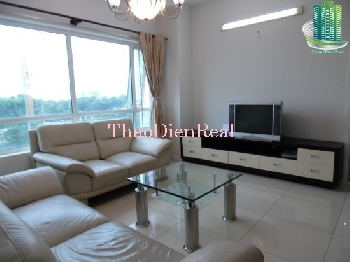 White tone 3 bedrooms apartment in Phu Nhuan Tower for rent