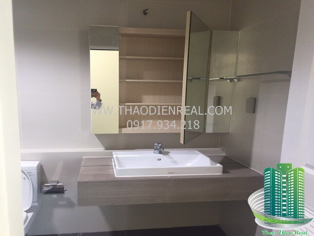 images/upload/the-ascent-thao-dien-for-rent-bedrooms-unfurnished-but-have-fridge-and-machine-washer--large-kitchen-design-by-thaodienreal-com_1498109242.jpg